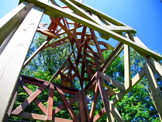 TorontoGardens-JardinsChaudiereBassin-Sculpture1759