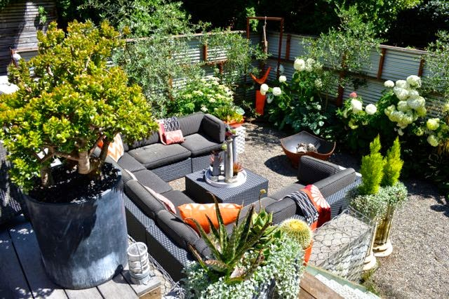 Two practical ideas for a split level garden toronto gardens for Split level garden designs