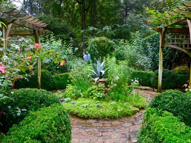 ornamentalvegetables-romanticgarden-torontogardens