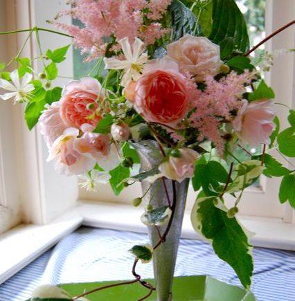 How Can I Keep Fresh Cut Flowers Alive Longer Best